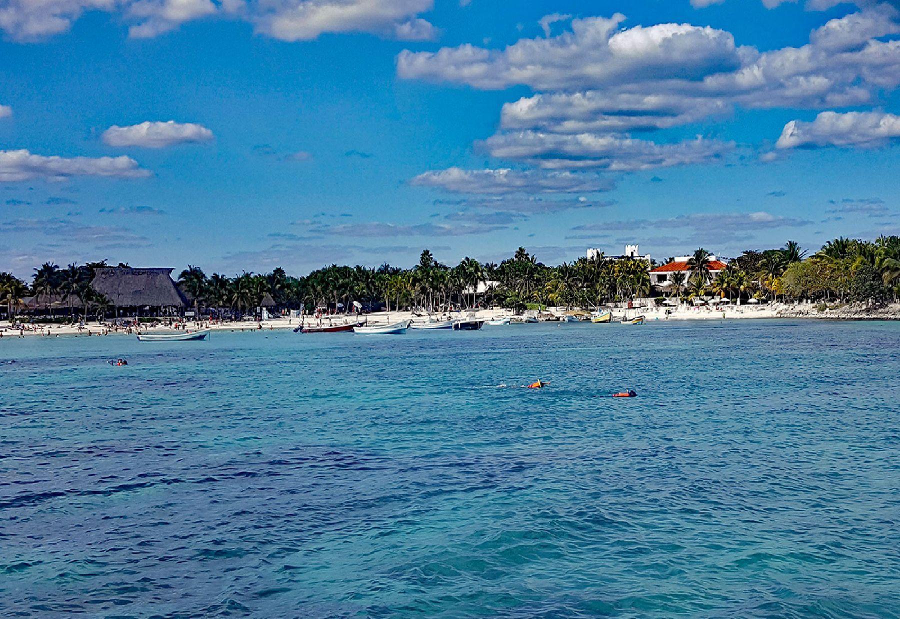 Akumal Vacation Condo Rentals, Akumal Beach Luxury Villa Rentals, Vacation Home Rentals In Akumal Mexico, Half Moon Bay Vacation Rentals, Beachfront Caribbean Vacation Rentals, Akumal Vacation Villa For Rent Mexico