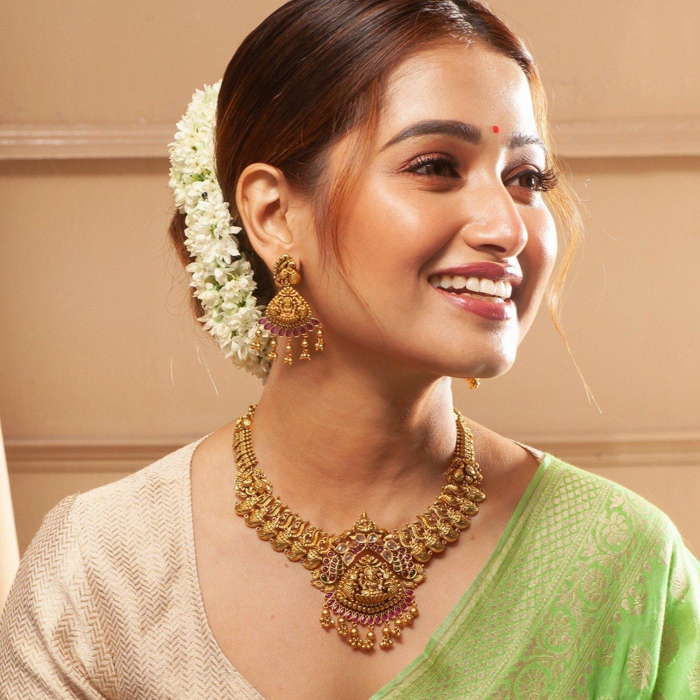 reasons to wear antique jewellery