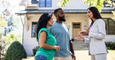 real estate agent-qrgtech