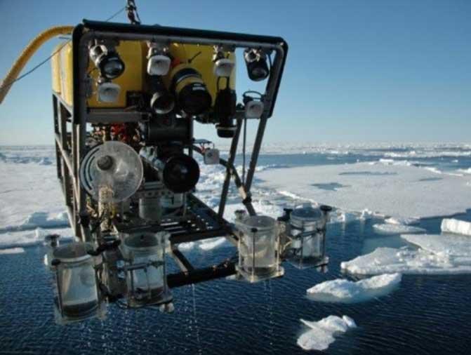 ROV for exploring deep ocean equipped by ElmoMC servo drives