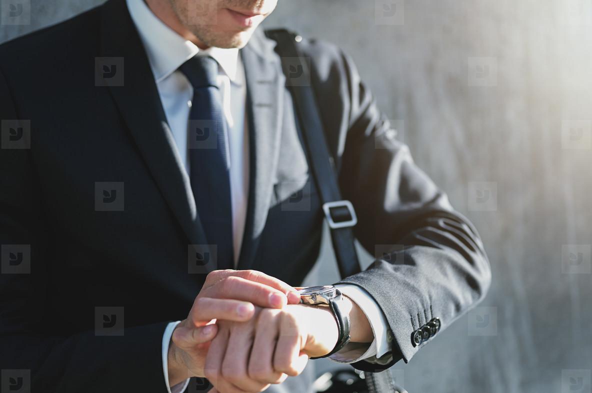 Top5 Men's Luxury Watches To Buy In 2021