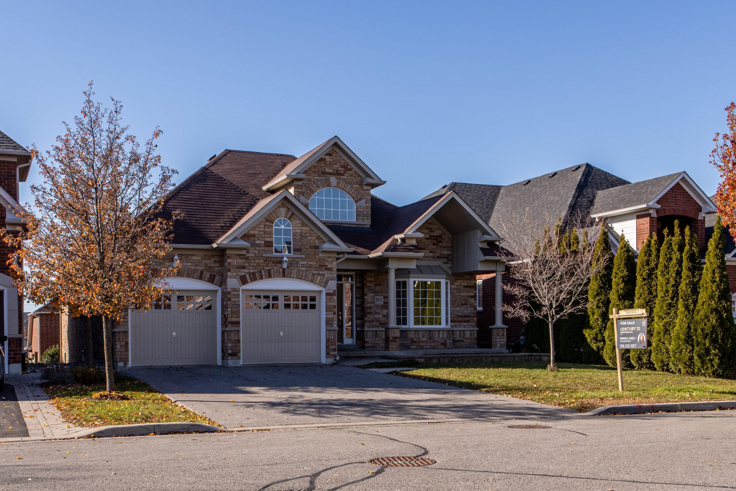 Buy Houses | John Medina Buys Houses