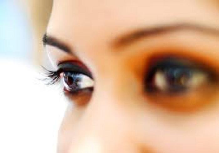 eyes maesynthia gravis