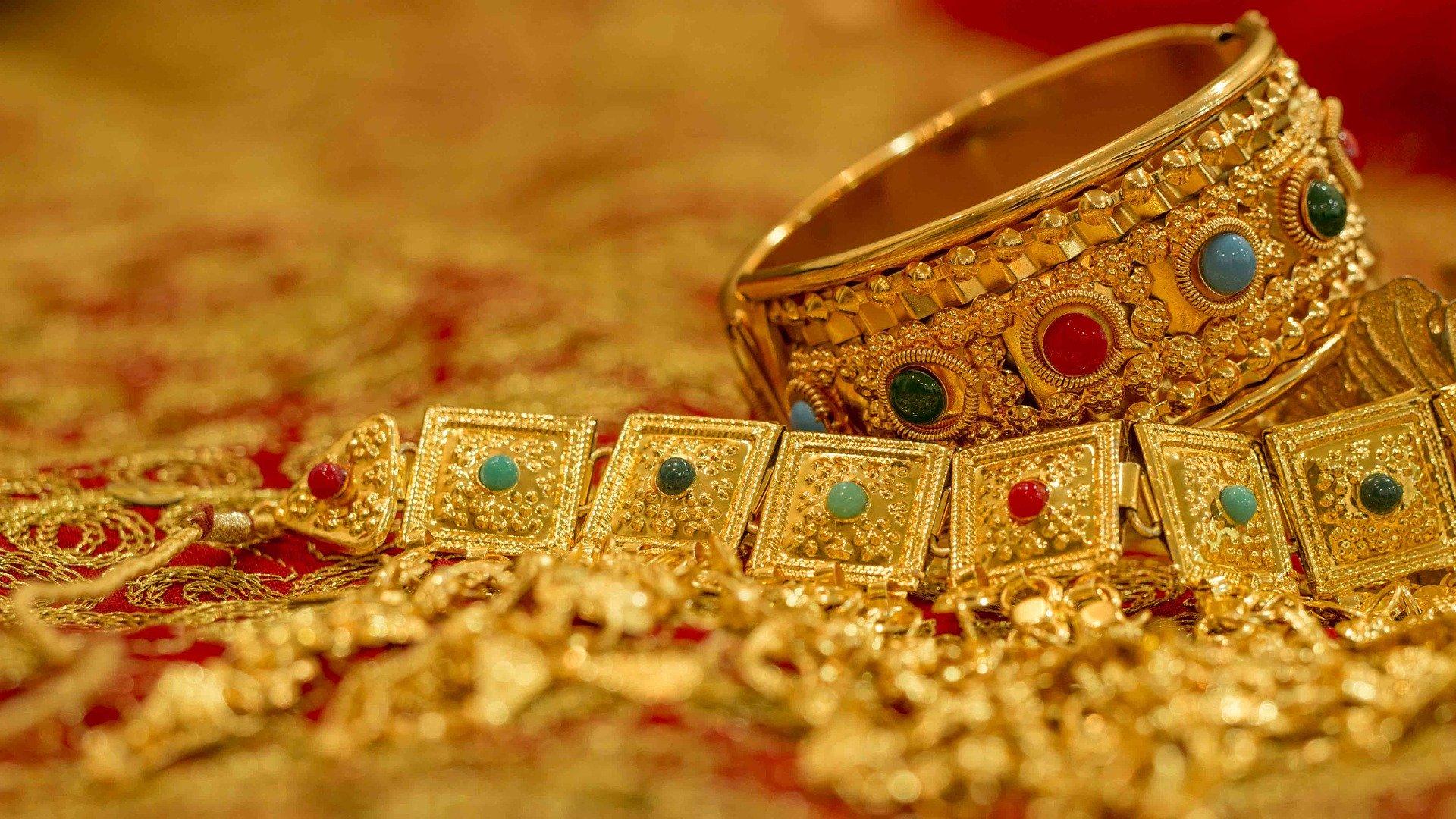 gold jewellery tips