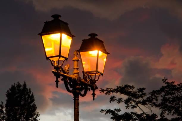 Minimalism: Italian Contemporary and Modern lamp post lights