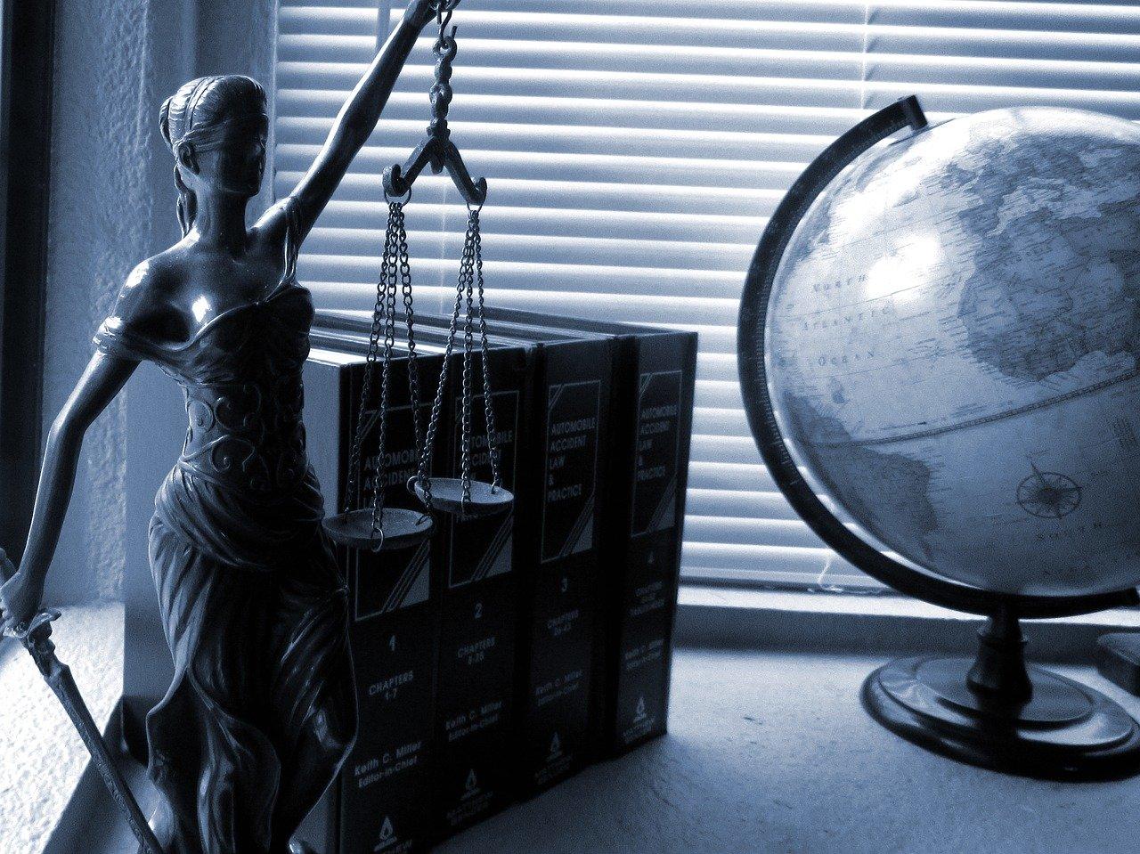 tech lawyer
