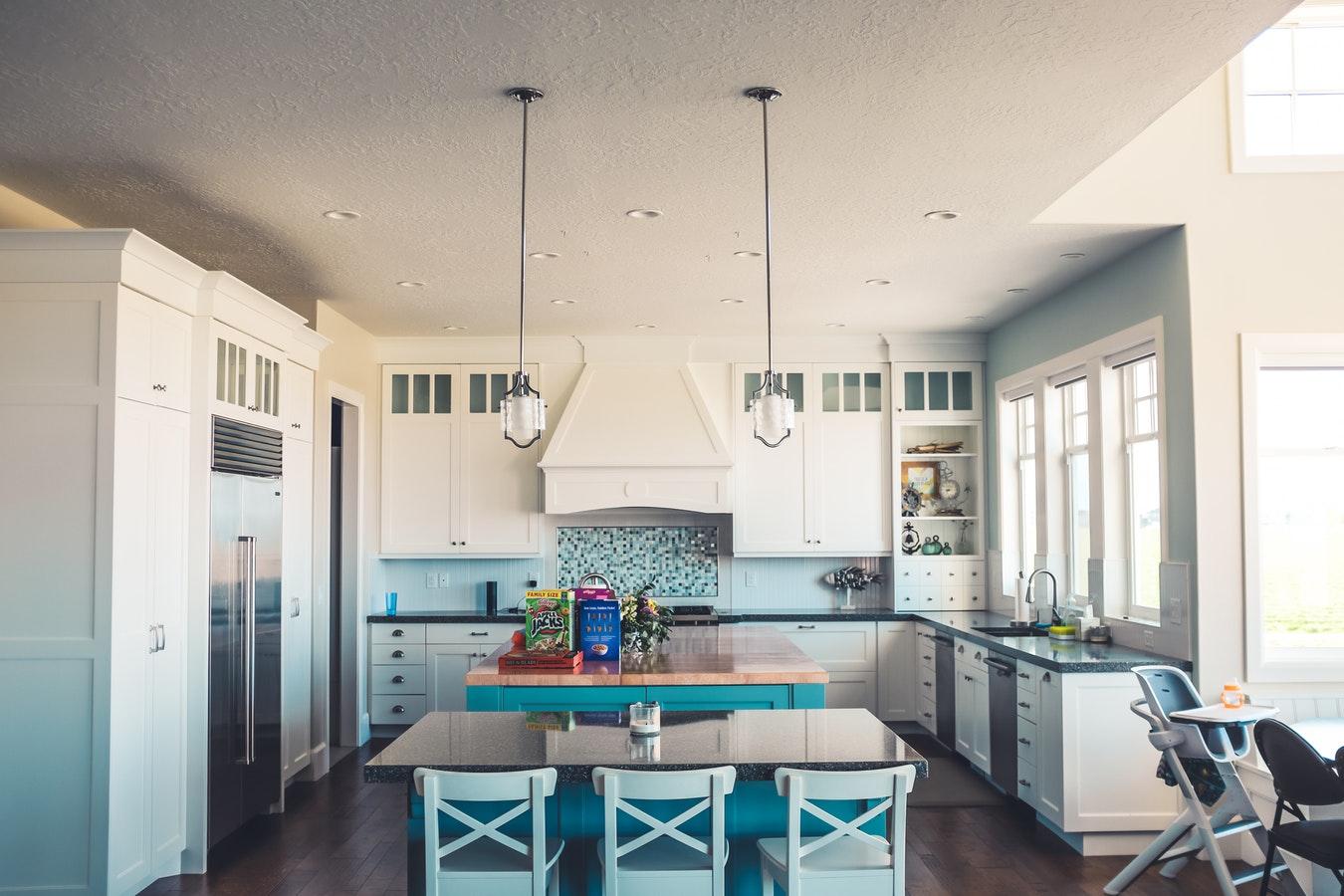 natural-lit-kitchen